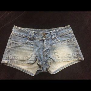 Lilu Pants - Lilu Denim Shorts Size 1. 🌺👍🏻
