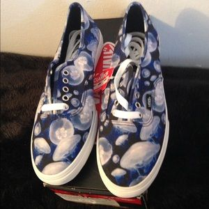 Vans Shoes - Vans in jelly fish print