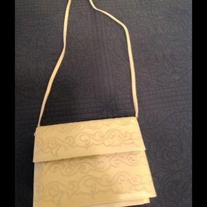 J. Renee Handbags - 💐CLUTCH/SHOULDER💐$12