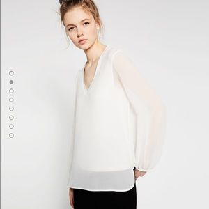Zara Tops - Zara V neck white top