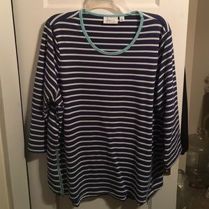 Tops - Striped 3/4 length sleeve top