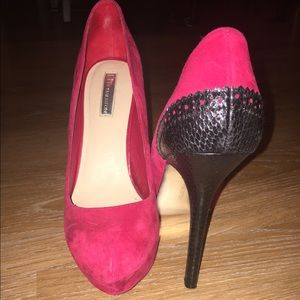H by Halston Shoes - 👠Red Suede Pumps👠