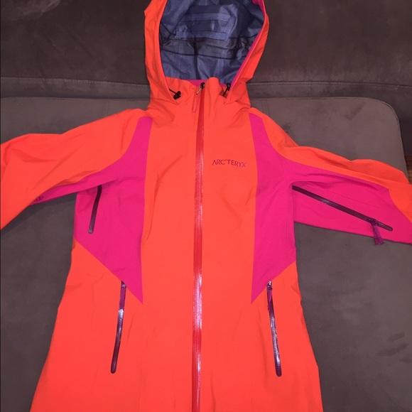 60 Off Arc Teryx Jackets Amp Blazers Arc Teryx Women S