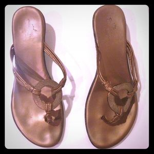 ⭐️clearance⭐️Golden Circle slippers