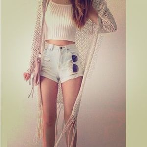 Kitted white tank top.