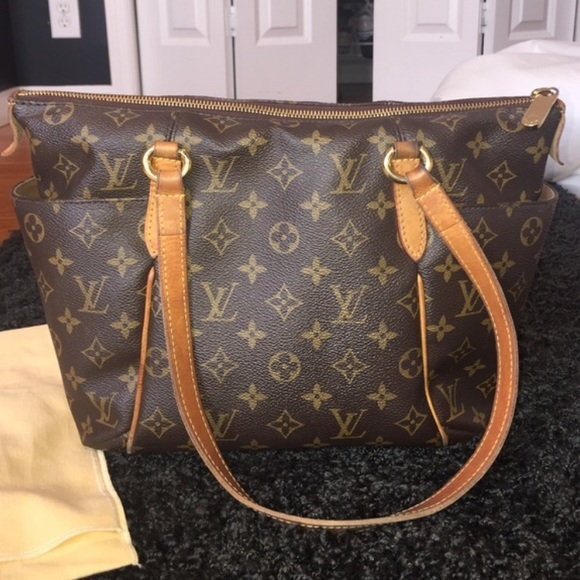 4a382e98 ❌SOLD❌ Authentic LV Totally PM Monogram purse