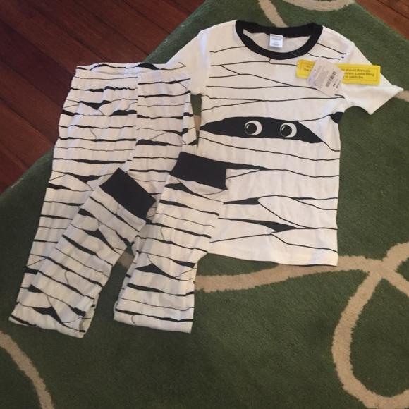 nwt gymboree mummy pajamas