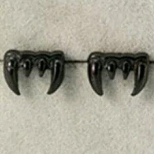 Jewelry - LAST PAIR New Halloween vampire fang earrings