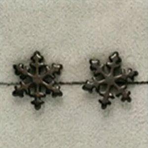Jewelry - ❤New snowflake stud earrings