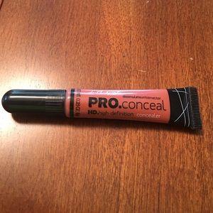 Color corrector concealer