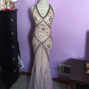 Dresses & Skirts - ❗️Final Price❗️Gorgeous beaded floor length gown