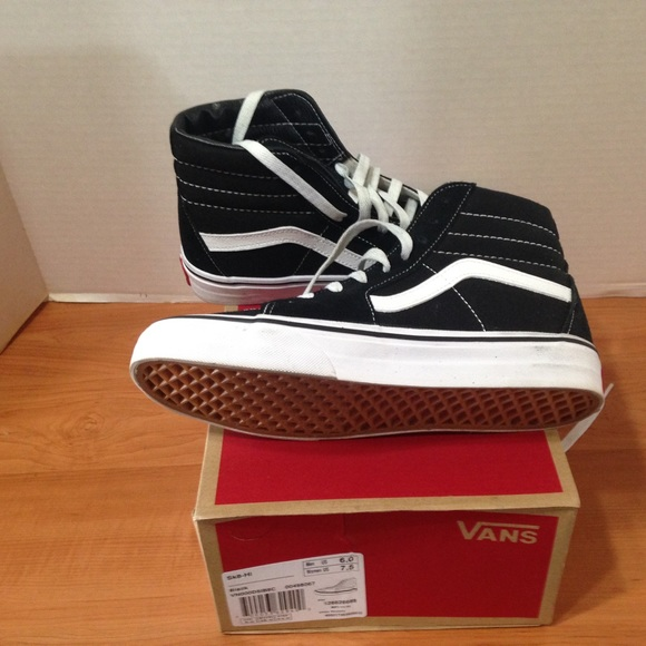 59dbdbf0c57e NEW IN BOX Vans SK8-HI Shoes Sz M6   W7.5