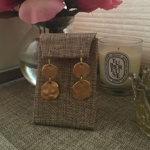 Piperlime (Tinley Road) gold disc earrings.