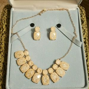 Two piece necklace set