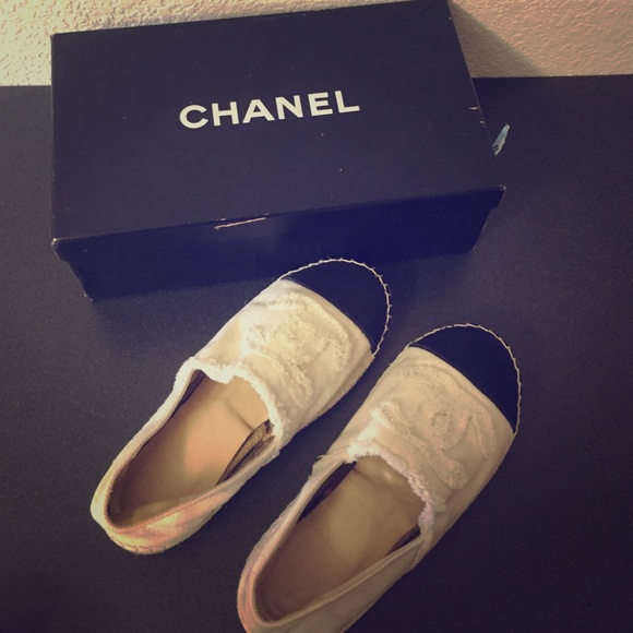 Chanel beige navy espadrilles damaged