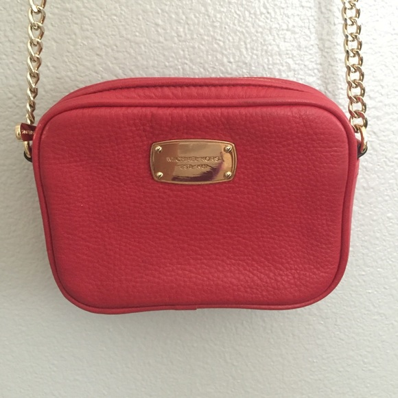 a872b13bf04b MICHAEL Michael Kors Mini Jet Set Crossbody Bag. M 57b7b36d4e95a3bf430043ab