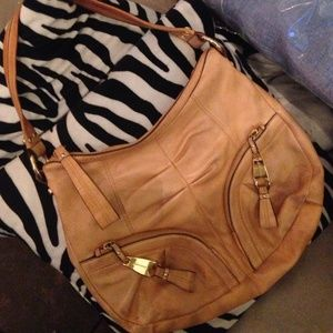 b. makowsky Handbags - 💖💌⬇️✂️Leather B.Makowsky tan purse.