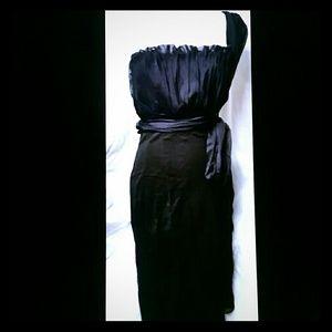 Philosophy di Alberta Ferretti Dresses & Skirts - Alberta Ferretti Black One-Shoulder Dress Sz 4