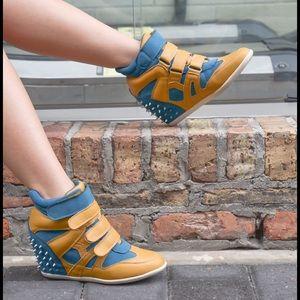 🎉HP🎉Blue & Mustard Sneaker Wedges + Spikes