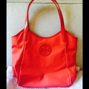 Tory Burch Handbags - ⚡️⚡️Flash Sale❗️⚡️Tory Burch 💯% authentic Red bag
