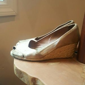Johnston & Murphy Shoes - Gold leather espadrilles wedges made in spain  9