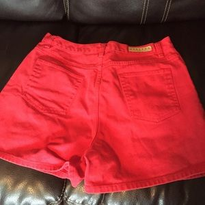 Red vintage jean shorts 14