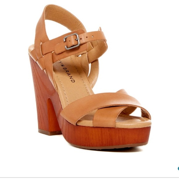 528513f7767 LUCKY BRAND Platform Sandals 6.5