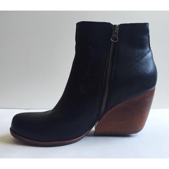 eca6c9fee66d Kork-ease Shoes - Kork-ease Natalya - Black leather bootie