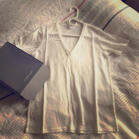 Brand new Everlane white linen V neck t shirt