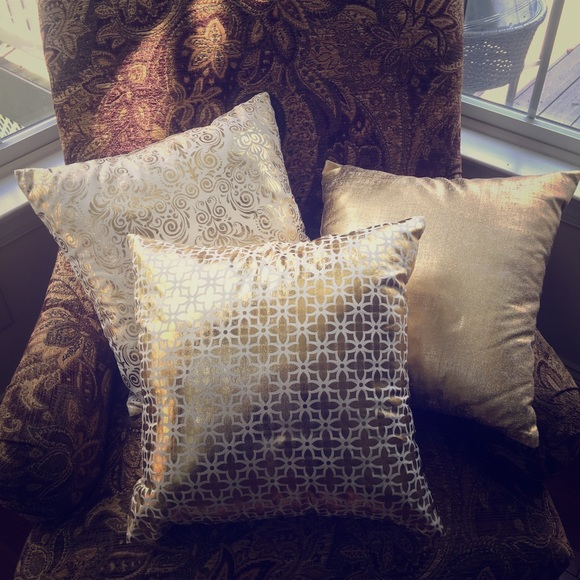Big Lots Accessories Gold Metallic And White Decorative Pillows Cool Big Lots Decorative Pillows