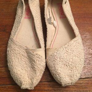 Shoes - Cream crochet flats