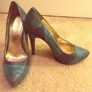 ALDO size 38 blue snakeskin heels