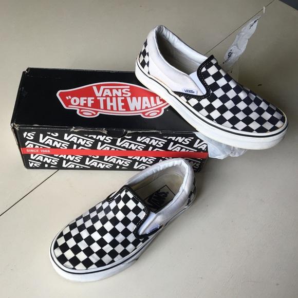 5af0eb2e09 Vans Black + White Checkerboard Classic Slip ons. M 57b8acca2fd0b7738d002b6f