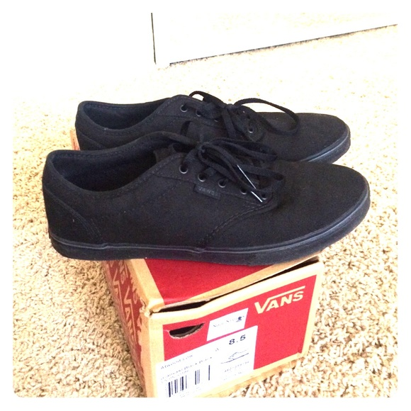 vans atwood low all black