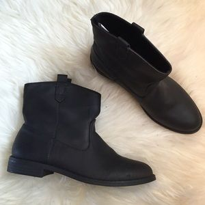Old Navy Shoes - Black Faux Leather Ankle Boots