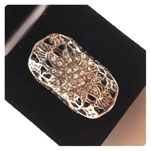 Jewelry - Cute cuff ring