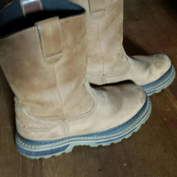 042c363ad8e Men's Chinook boots.