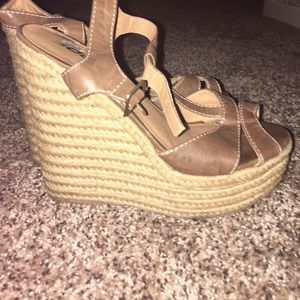 Shoes - Strappy wedge