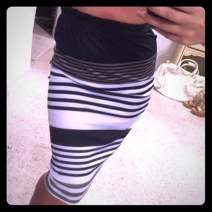 Dresses & Skirts - Really cute color block stripe skirt!
