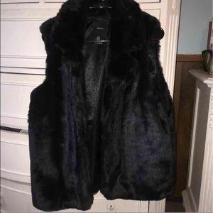 Forever 21 faux fur vest