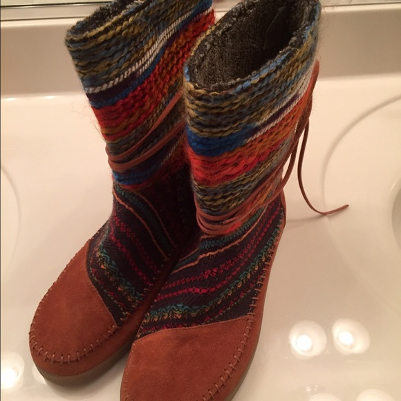 29 toms shoes toms lace wrap boot from s