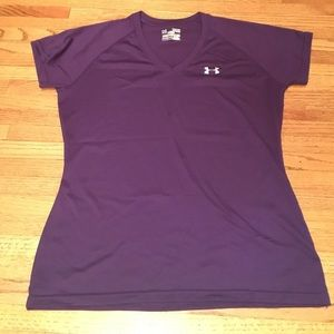 M Under Armour Semi fitted purple Tshirt