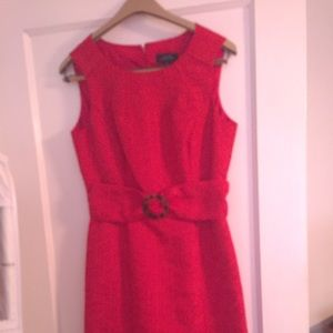 Tahari Dresses & Skirts - Tahari red burnt orange dress with tortoise clip
