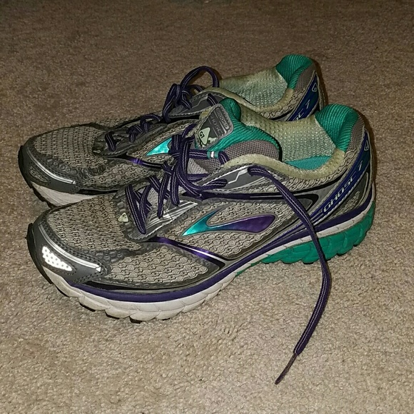 7693dd99f8771 Brooks Shoes - Women s Brooks Ghost 7 running shoes size 8