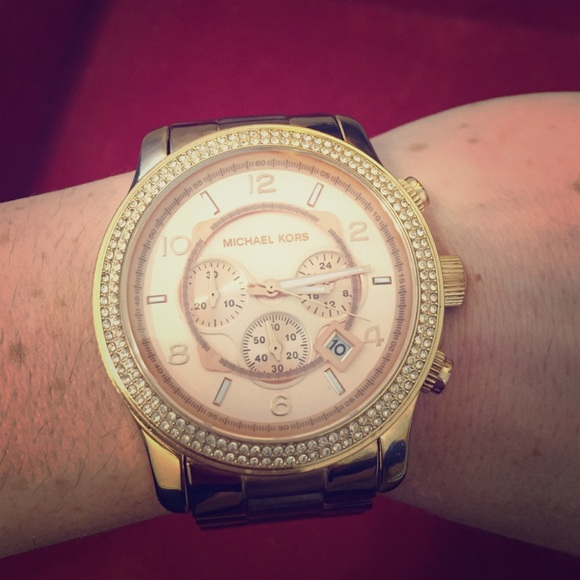 f1a77ddc52ea Michael Kors Runway Large Glitz Rose Gold Watch. M 57b9ffd5522b455b0900aee7