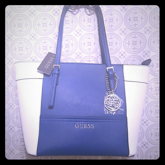 7ae4388a645b GUESS Delaney Small Classic Tote Bag