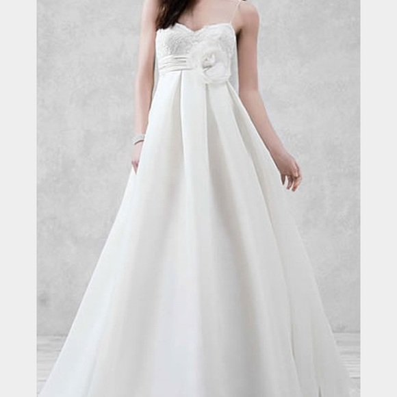 Empire Ball Gown Wedding Dresses: 38% Off David's Bridal Dresses & Skirts