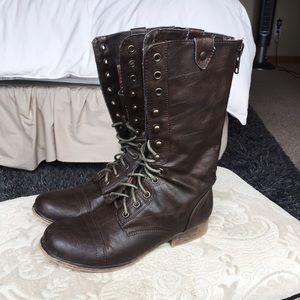 *SOLD* Dark Brown Boots