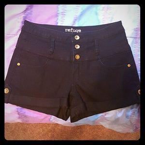 refuge Pants - Black High-Waisted Shorts