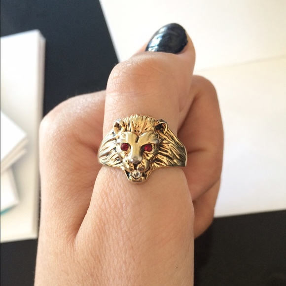 Vintage Gold Lion Head Ring Ruby Eyes size 9 Fits like a 9 from